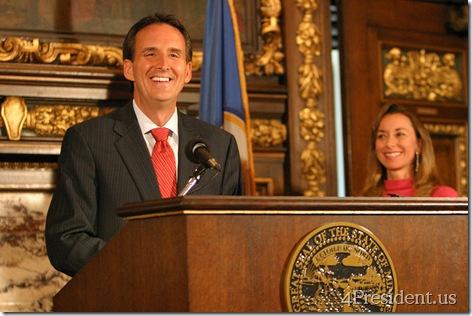 Minnesota Governor Tim Pawlenty 2010 Press Conference Photos