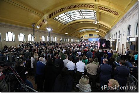 President Barack Obama, Union Depot, St. Paul, Minnesota, February 26, 2014 IMG_9126x