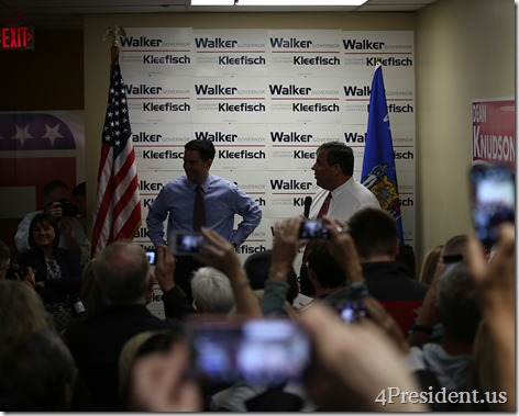 Scott Walker Chris Christie Hudson Wisconsin Victory Center IMG_6642x