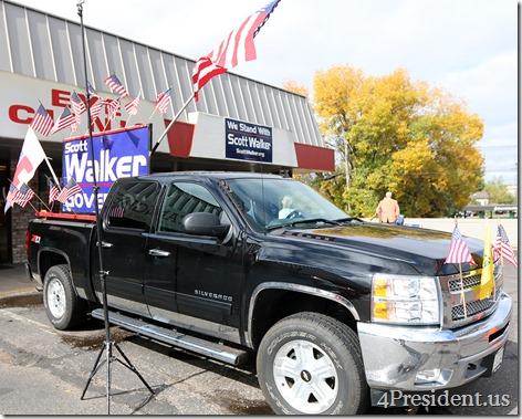 Scott Walker Chris Christie Hudson Wisconsin Victory Center IMG_6465x