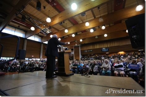 Bernie Sanders Town Meeting Photos, Minneapolis, Minnesota, May 31, 2015, Minneapolis American Indian Center, 1 of 3 IMG_2580